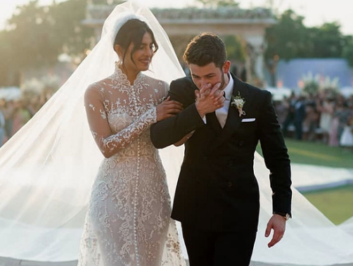 Nick Jonas And Priyanka Chopra Shared Adorable Tributes For Their First Wedding Anniversary Kiss