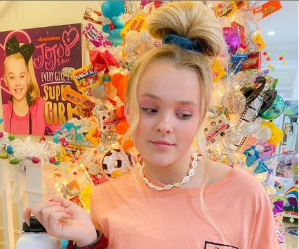 Jojo Siwa Is Set To Act In Her First Ever Movie Kiss